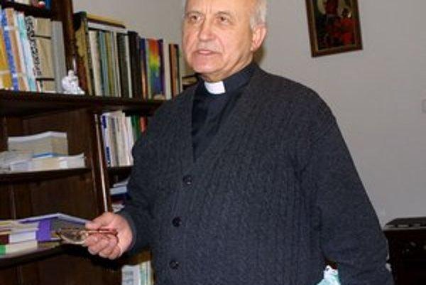 Mons. Alojz Tkáč. Emeritný arcibiskup akceptuje rozhodnutie pápeža v plnej miere.