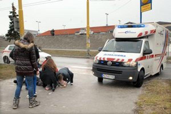 Záchranári prišli v hodine dvanástej. Podarilo sa im muža oživiť.
