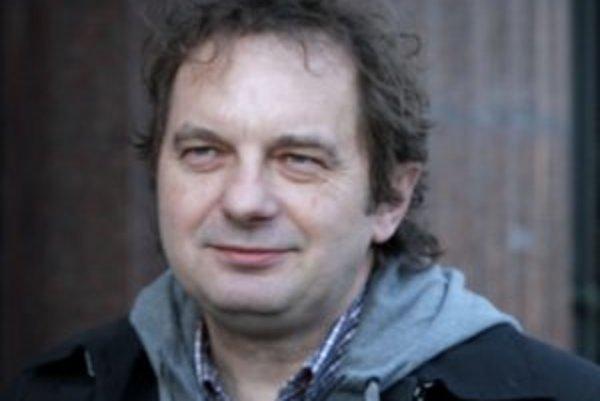 Predtým, ako sa Ján Sudzina stal výkonným riaditeľom projektu Európskeho hlavného mesta kultúry, viedol nezávislé hudobné vydavateľstvo Hevhetia.