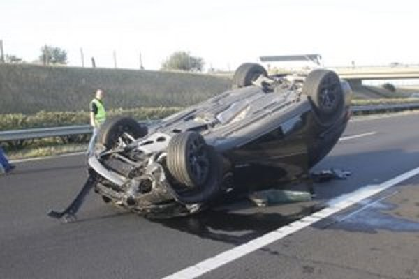 Varholíkovej BMW po nehode.