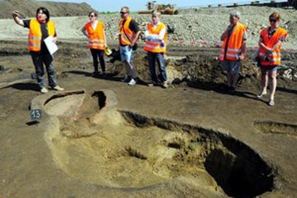 Investor tvrdí, že dostavba R4 sa zdrží pre archeologický výskum.
