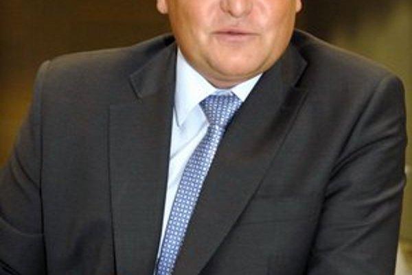 Ladislav Rosocha. Obhájil svoju funkciu.