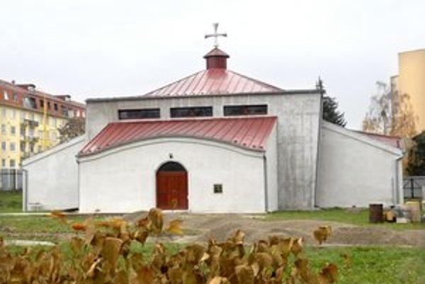 Pravoslávny kostol. Reálne ho začali stavať v roku 2006, sú v ňom uložené relikvie viacerých svätcov.