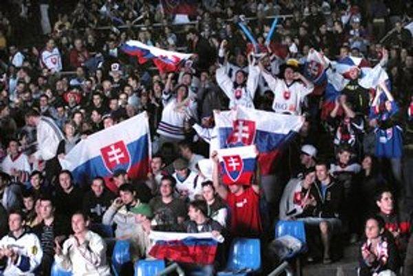 Hokejové mestečko Amfik 2011. Bolo skvelo, a to sme nepostúpili zo skupiny. Čo tam bude v sobotu?