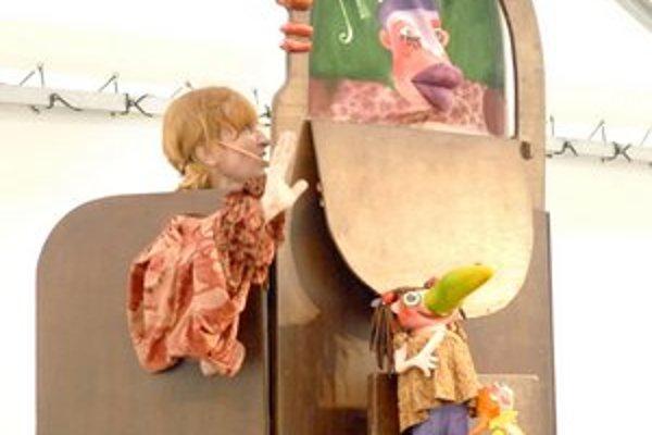 Divadlo Piki včera dopoludnia bavilo detičky i ich mamičky.