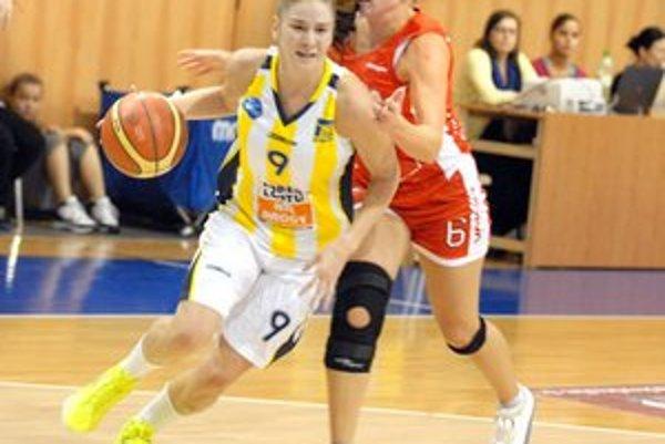 Angelika Oravcová. V nominácii trénera Kováčika je aj táto krídelníčka z Košíc.