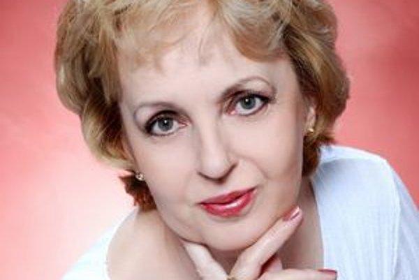 Beata Štrauchová. Jej najnovší román je o kríze stredného veku.
