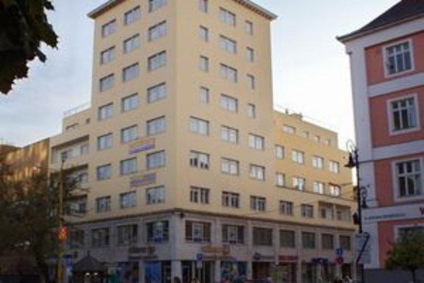 """Svoj prvý """"mrakodrap"""" Košičania nazývali korektne: """"osemposchoďák""""."""