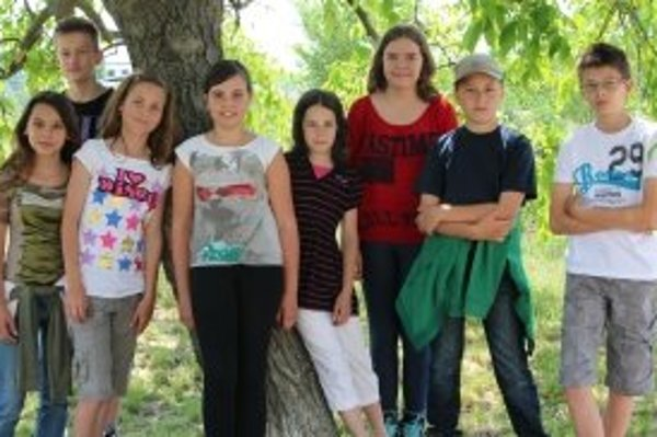 Zľava: Laura (12), Ondrej (12), Lenka (12), Victoria (11), Majka (11), Paula (13), Peter (11), Jakub (12).