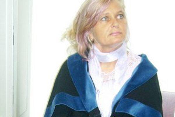 Katarína Dušáková. Podľa súdu ju štát poškodil ako ženu, manželku, matku, dcéru aj advokátku.