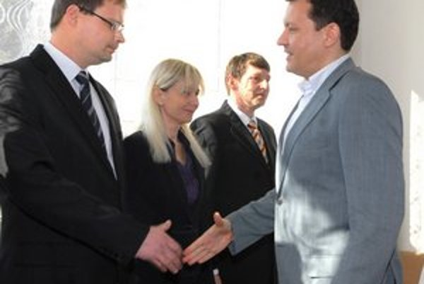 Ocenení Marcel Pavúk (vľavo), Adriana Hudáková a Štefan Pčola.