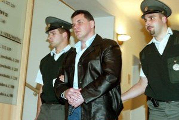 Mikuláš Černák. Svedectvo bossa podsvetia dostalo advokáta za mreže.