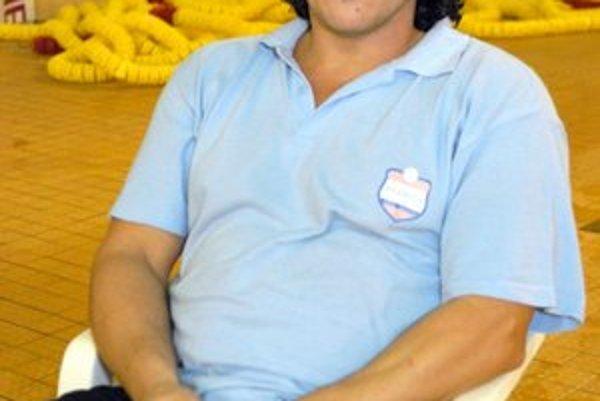 Z trénera opäť hráč. Peter Veszelits sa nechal zlákať nazad do bazéna.