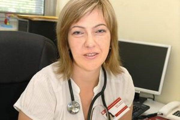 MUDr. Adriana Dankovčíková. Tvrdí, že vychovávame tučnú generáciu.