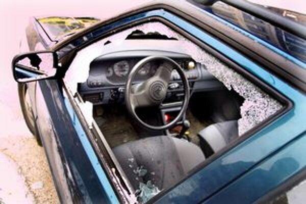 Do vykradnutého auta si nesadajte.