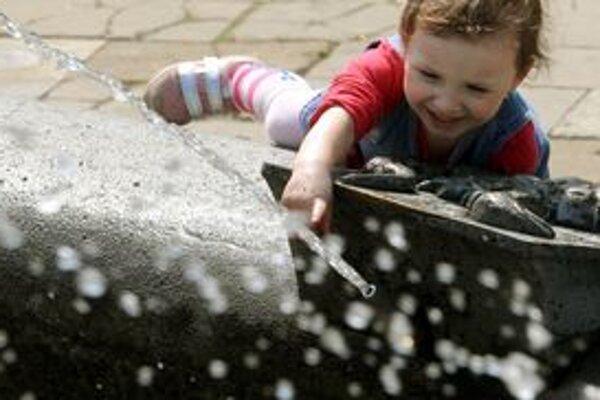 Deti by najviac tekutín by mali vypiť do 16. hodiny.