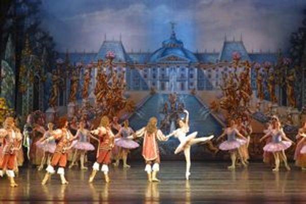 Moscow City Ballet. Sa teší obrovskej popularite v zahraničí. Len vo Veľkej Británii hosťoval viac ako 1 500 krát.