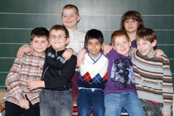 Hore zľava: Patrik (11) a Tomáš (10)Dole zľava: Martin (9), Matúš (7), Samuel (9), Maťko (8), Samko (7)