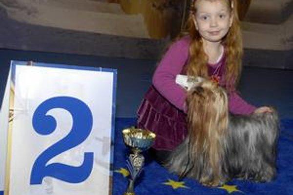 Malá milovníčka psíkov. Deniske sa v Košiciach darilo. Súťaží sa zúčastňuje od dvoch rokov.