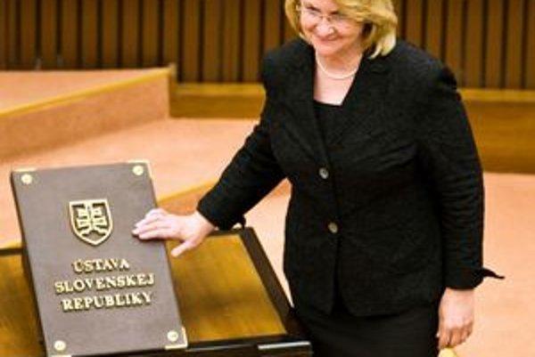 Najdlhšie slúžiaca poslankyňa. Parlamentné lavice drie už vyše 16 rokov.