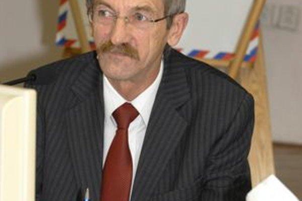 Rudolf Reštei (nez.). Rada starostov, ktorej šéfuje, vyzvala primátora Rašiho, aby rozpočet nepodpísal.