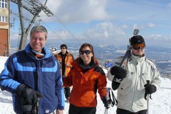 Rudolf Bauer s rodinou. Rodina zvykne oddychovať na lyžovačke v Tatrách.