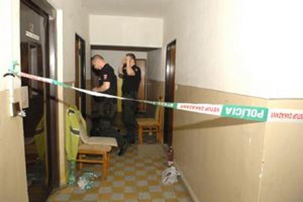 Miesto činu. Za týmito dverami zavraždil otec syna.