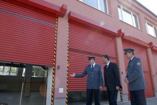 Nové brány sa budú dať otvárať automaticky priamo z dispečingu.