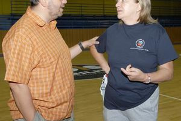 Manažér Ivan Benninghaus (v rozhovore s Natáliou Hejkovou) očakáva podporu fanúšikov.