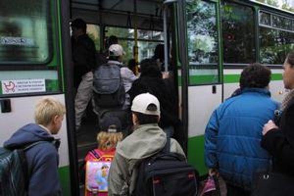 Snahou DPMK je posilniť hlavne ranné školské spoje.