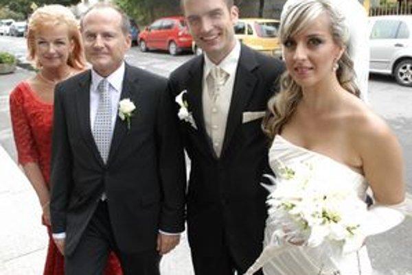 Hlinkovci. Výnimočný deň to nebol len pre mladomanželov Lenku a Pavla, ale aj pre Jaroslava Hlinku.