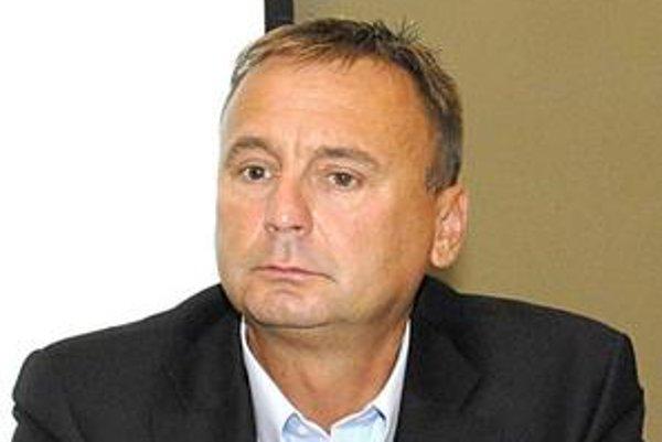 Igor Sidor (MOST-HÍD). Tvrdí, že Knapík je pre nich neprijateľný.