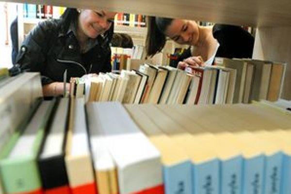 V knižnici je okolo päťtisíc kníh, pribudnúť by mali ďalšie.