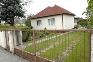Dom so záhradou na Barčianskej ulici za 35-tisíc eur. Jeho trhová cena by za normálnych okolností mohla byť aj vyše 100-tisíc eur. K domu patrí aj šesťárová záhradka.