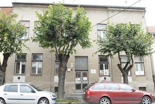 Budova na Kmeťovej 20. Košická neziskovka ju mala získať za necelú tretinu znaleckej hodnoty.