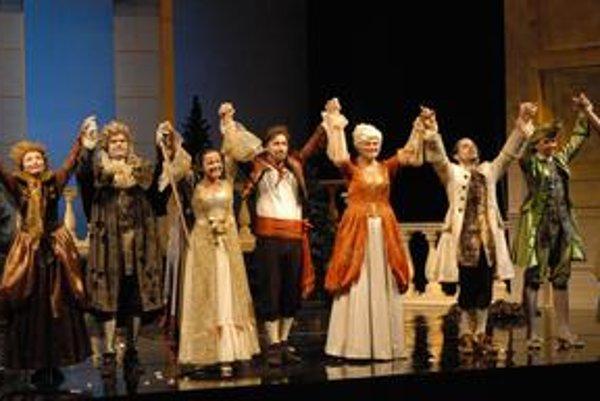 Mozartova Figarova svadba. Patrí k najvydarenejším dielam svetovej opernej literatúry. Košické uvedenie prijalo publikum nadšeným standing ovations.