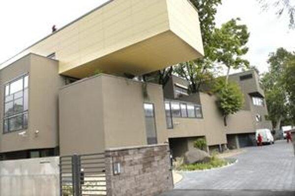 Ocenený kontroverzný dom. Kvôli nemu sa možno budú meniť podmienky súťaže. Doteraz podľa Drahovského komora dôverovala morálke architektov.