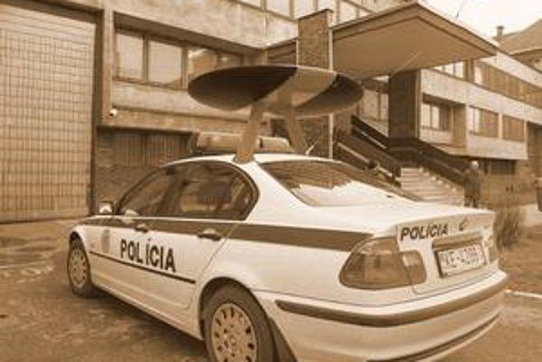 Novinka v policajných autách - Automatický vyhľadávač automobilov cestných pirátov (AVACP).