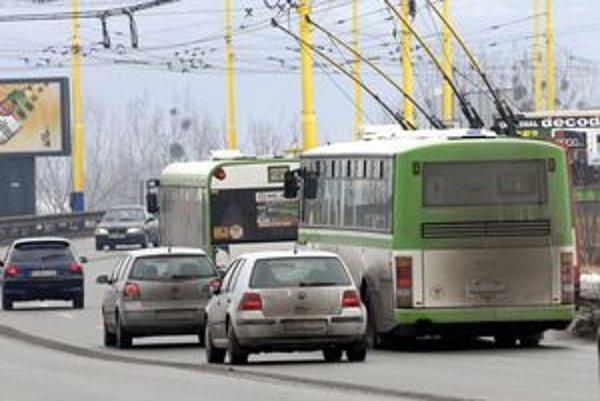 Prípadný štrajk vodičov mestskej dopravy by vážne ochromil dopravu v Košiciach.
