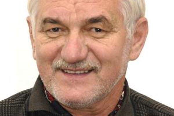 Ján Farkaš. Zákon mu nezakazuje kandidovať, aj keď je stále obžalovaný zo sprenevery.