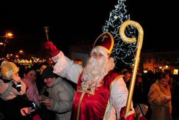 Začiatok Košických Vianoc prilákal do centra množstvo ľudí.