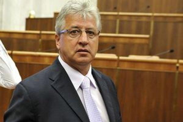 Poslanec Vincent Lukáč má opäť problémy, tentoraz s vysvetľovaním incidentu na stužkovej.