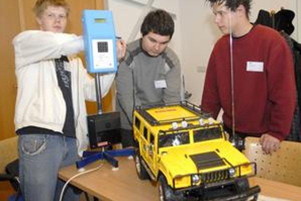 Bronzoví Košičania. Študenti zo Strednej odbornej školy automobilovej so svojím návrhom projektu.