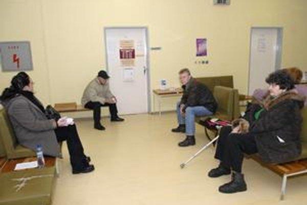 Zrušenie sprievodiek, Pacienti viac čakať na ich vypísanie u obvoďáka nebudú.
