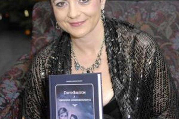 Autorka Monika Jankovčinová pripravuje sériu kníh fantasy žánru. Prvá je už na svete.