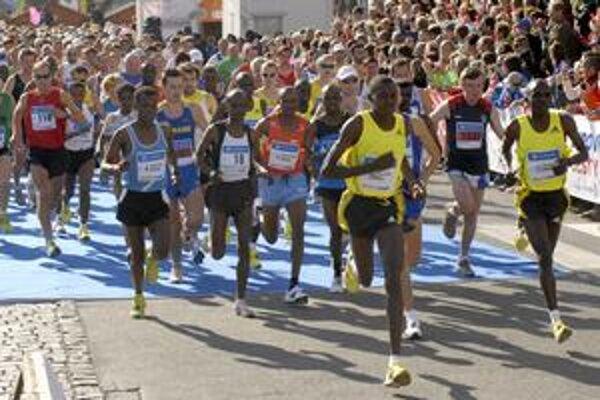 Aby sa Košičanom v nedeľu 3. októbra naskytol takýto pohľad na štart maratónu, budú si musieť o hodinku privstať