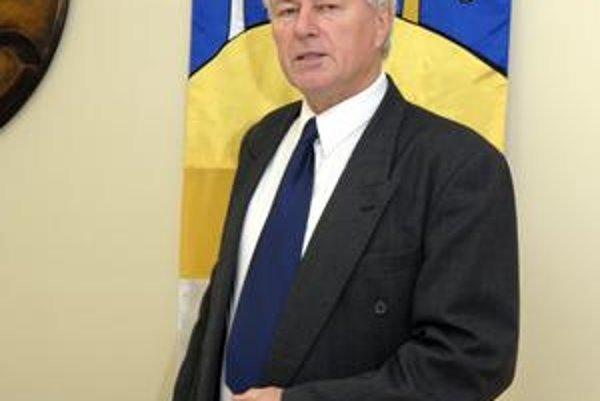 Dušan Petrenka. Starosta nechal vypracovať právnu analýzu procesu voľby kontrolóra.