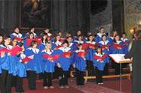Košický detský spevácky zbor. Detí v ňom rokmi rapídne ubúda.