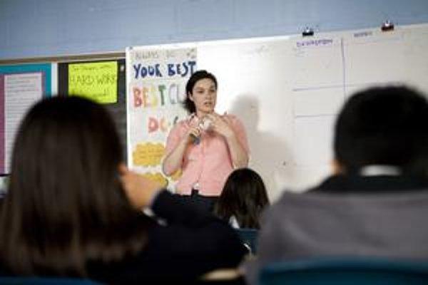 Deti si môžu výučbu jedného cudzieho jazyka vybrať už v tretej triede na základnej škole. Nie všetky osemročné gymnáziá dokážu zabezpečiť, že v nej budú môcť aj pokračovať.