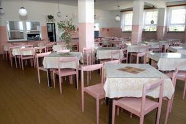 Jedáleň. Oddnes sa tu budú žiaci Základnej školy na Tomášikovej opäť stravovať.